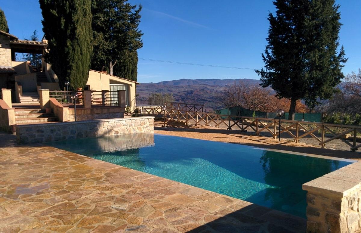 Strutture ed arredi per esterno in toscana garden pool for Arredi per piscine