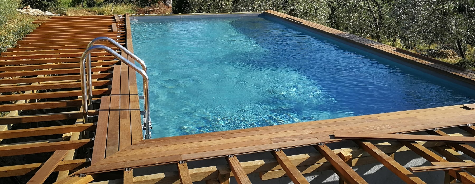 Piscine seminterrate in Toscana  by Gardenpool