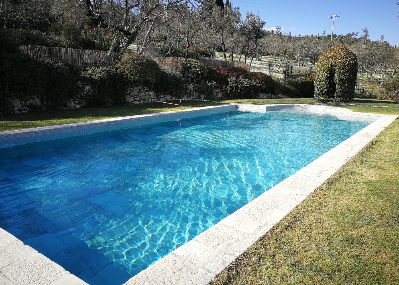 Realizzazione piscine per strutture ricettive in toscana garden pool realizzazione piscine - Piscine in toscana ...